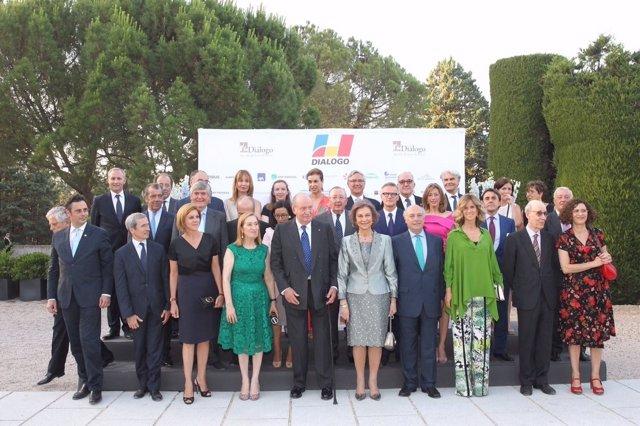 El Rey Juan Carlos, galardonado por la Asociación Diálogo