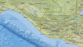 Ascienden a cinco los muertos en Guatemala por un terremoto que ha afectado también a México