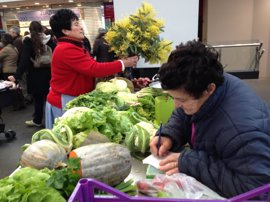 Los siete mercados municipales de Bilbao activan esta semana su horario estival hasta septiembre