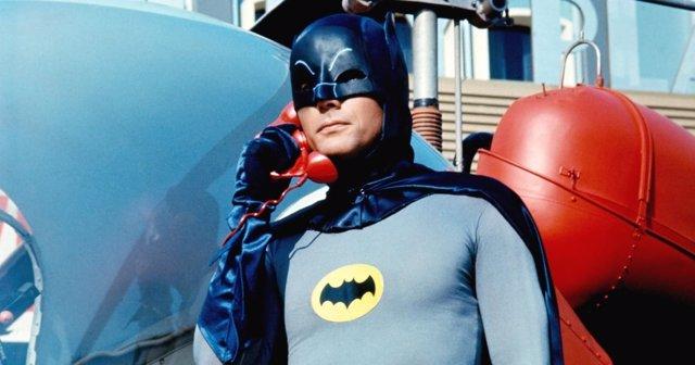 Adam West como Bruce Wayne/Batman en 'Batman', 1966.