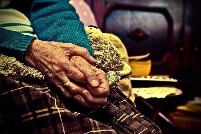 Anciana, señora mayor,