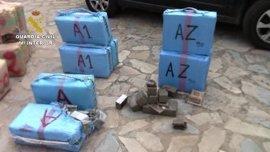 La Guardia Civil interviene 4 toneladas de hachís y detiene a 26 personas en una operación contra una red internacional