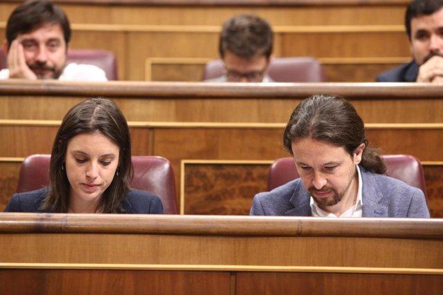 Irene Montero y Pablo Iglesias en el debate de la moción de censura