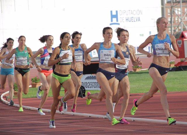 Atletas en el Meeting Iberoamericano de Atletismo de Huelva.