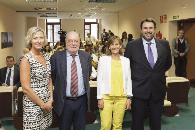 Representantes de la CE y el BEI con Sota en Santander