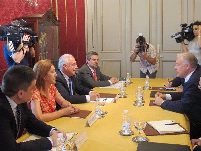 Reunión embajador Reino Unido