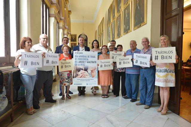 Campaña trátame bien ayuntamiento de málaga andrade