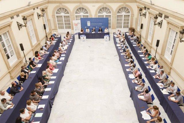 Los municipios han asistido a la presentación de Servicios Sociales.