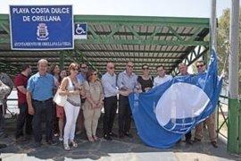 La Playa Dulce de Orellana (Badajoz) luce su bandera azul por octava vez consecutiva