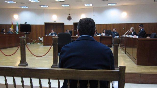 El sacerdote condenado, durante el juicio en la Audiencia de Córdoba