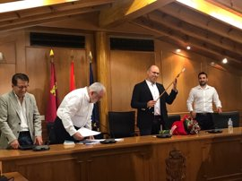 Pedro Noguera, nuevo alcalde de Pliego tras salir adelante la moción de censura presentada por el PSOE