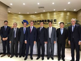 Feijóo confía en que la inversión china en Albo traiga nuevos proyectos a Galicia