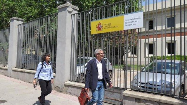 La vicelacaldesa Broto ante el Ministerio de Empleo y Seguridad Social