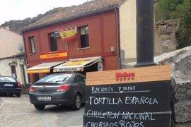 Piden retirar la terraza a un bar con terminología franquista en su carta