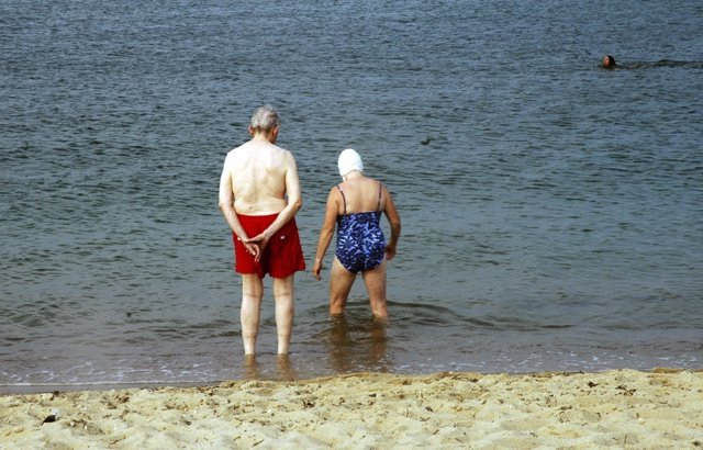 Mayores en la playa