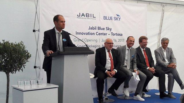 Jordi Baiget (segundo izq.), durante la inauguración