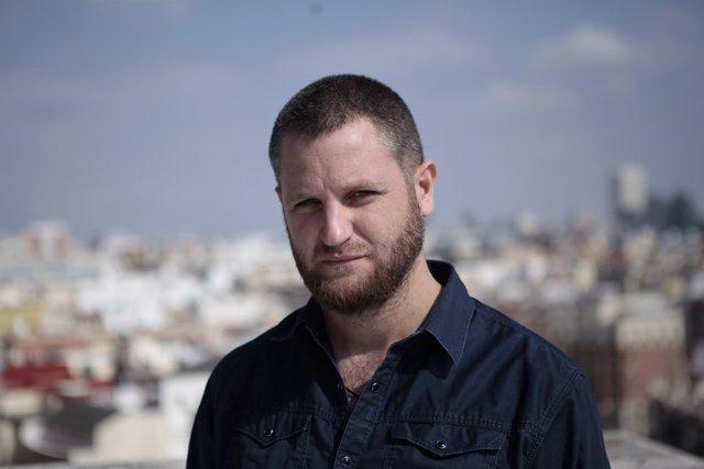 David Beriain pone voz a la versión española de 'Mosquito'