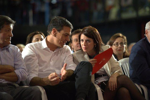 Adriana Lastra y Pedro Sánchez en el mitin del PSOE en Oviedo