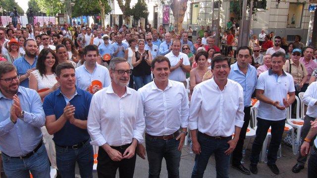 Albert Rivera, José Manuel Villegas y Juan Marín con cargos y militantes de Cs