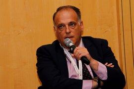 La CNMC sanciona con 250.000 euros a LaLiga por impedir el acceso a las cámaras de Mediaset a los estadios