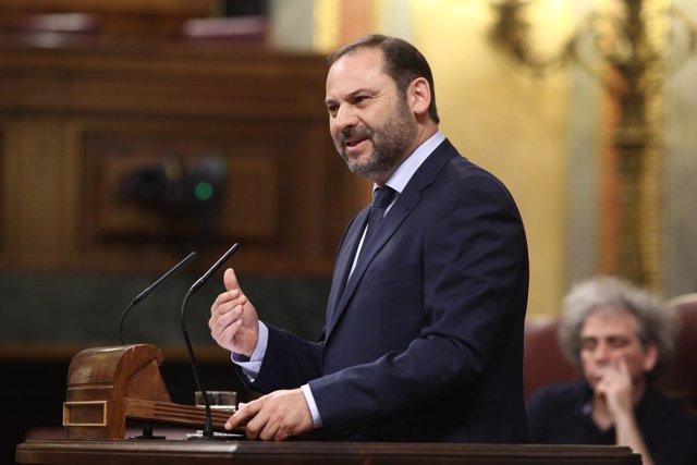 José Luis Ábalos en el debate de la moción de censura