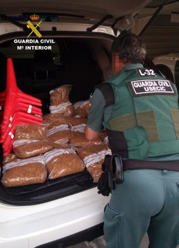 La Guardia Civil, con la picadura de tabaco intervenida