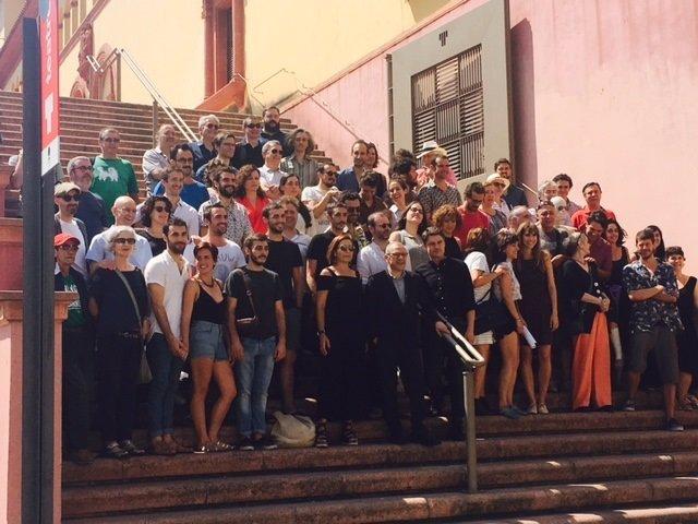 Foto de familia del Teatre Lliure para la temporada 2017-2018