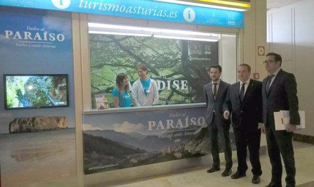 Inauguración puesto de información en el aeropuerto de Asturias