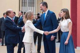 Los Reyes Don Felipe y Doña Letizia vuelven a combinar sus looks