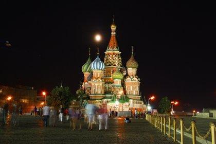 El Banco Central de Rusia recorta los tipos de interés por tercera vez en el año