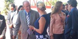 El rey Juan Carlos preside el acto de inauguración de la bodega de Rioja de Edmond de Rothschild Heritage y Vega Sicilia