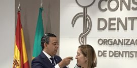 El Consejo General de Dentistas nombra Miembro de Honor de su organización a la presidenta del Congreso de los Diputados