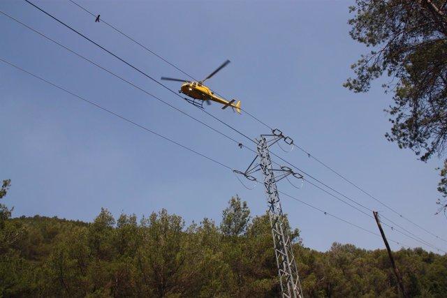 El helicóptero de Endesa dotado con tecnología láser y cámara de infrarrojos
