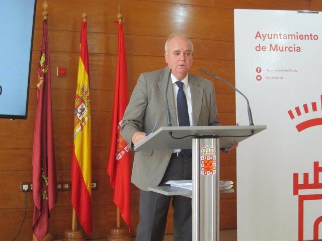 El concejal Eduardo Martínez-Oliva