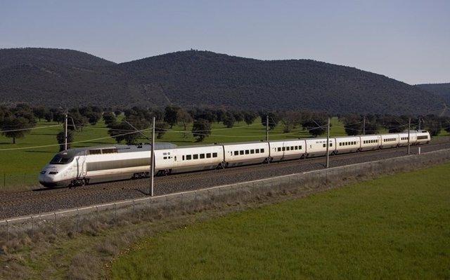 Imagen de archivo de un tren de Alta Velocidad