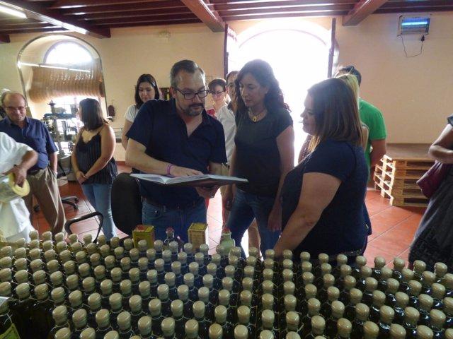 Loles López, durante la visita en Baena
