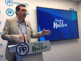 """González (PP) remarca que """"no hay nada cerrado"""" en Bollullos """"solo el incumplimiento absoluto"""" del PSOE"""