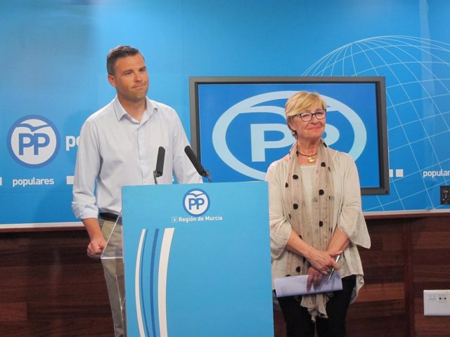 José Francisco García, y Maruja Pelegrín, en la rueda de prensa
