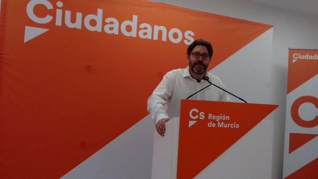 El portavoz de Cs en la Asamblea, Miguel Sánchez
