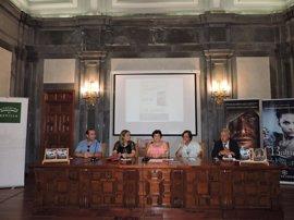 Antonia María Chico presenta en Sevilla la nueva entrega de su trilogía sobre Velvur el druida