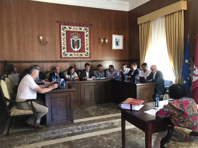 León: Junta de Gbno de la Diputación en Benavides