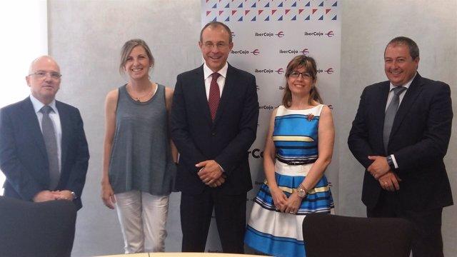 Avalia e Ibercaja seguirán apoyando a las pymes, comercios y autónomos