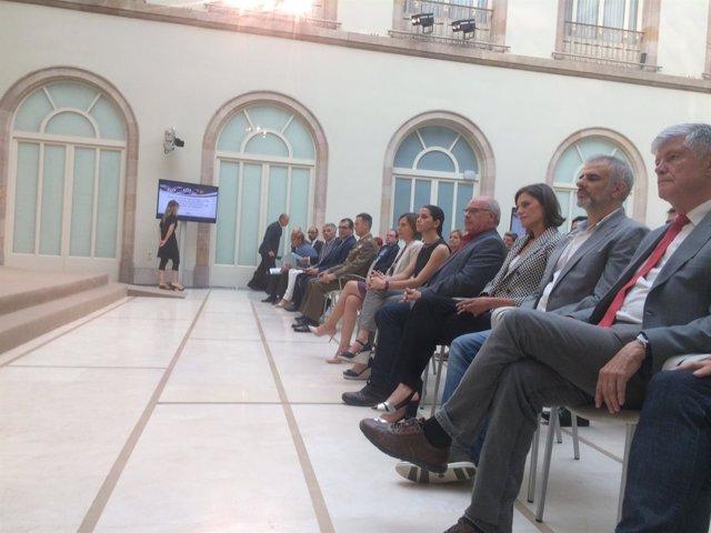 Acto de homenaje a las víctimas de Hipercor en el Parlament