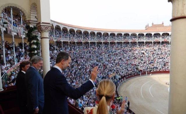 El Rey Felipe preside su primera Corrida de la Beneficencia