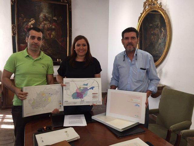 La Diputación de Córdoba entrega planes de movilidad urbana sostenible
