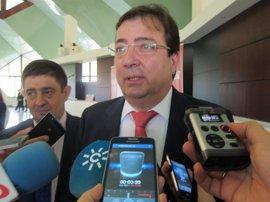 """Fernández Vara dice que """"ni la soberanía popular ni la unidad de España están en juego"""""""