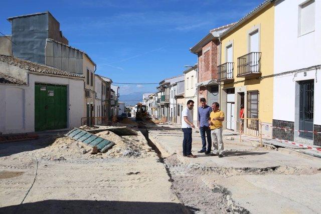 El diputado José Castro visita obras en Torreperogil (Jaén)
