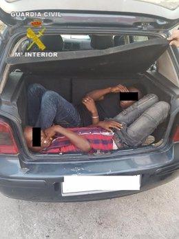Inmigrantes en un coche