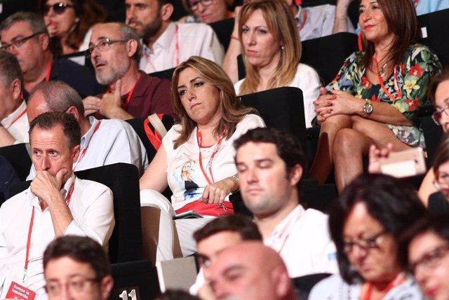 Susana Díaz escucha las intervenciones durante el Congreso del PSOE