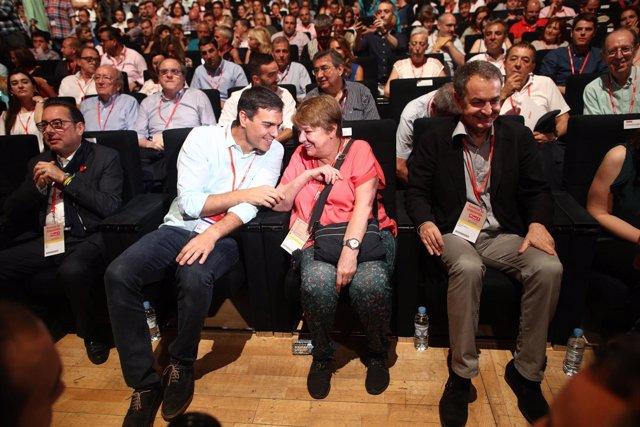 Pedro Sánchez y Rodríguez Zapatero en el Congreso del PSOE